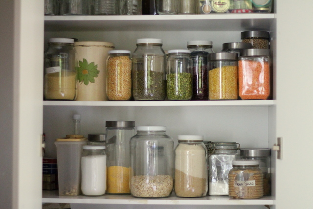 Dry_goods_pantry_storage_1