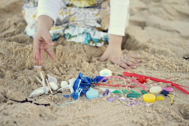 Plastic rubbish litter beach art 1