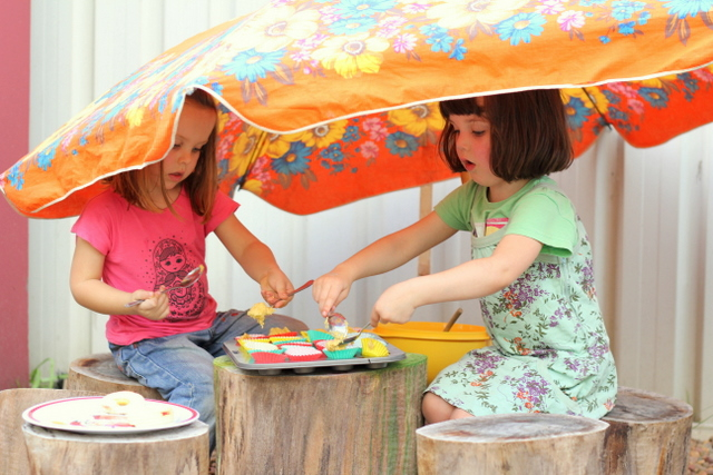 Vintage umbrella play