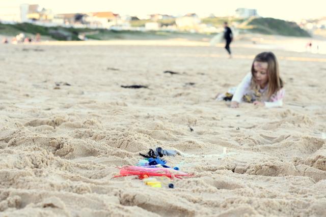 Plastic rubbish litter beach art 3