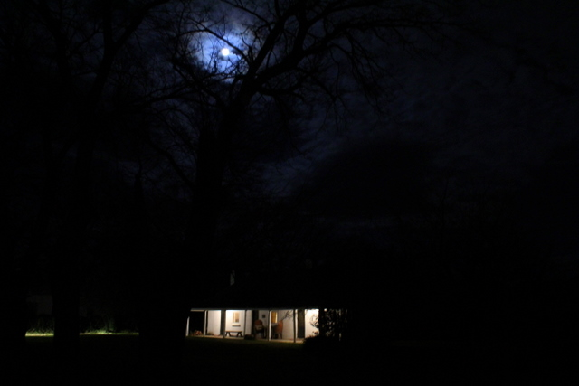 The_white_house_at_night_belltrees