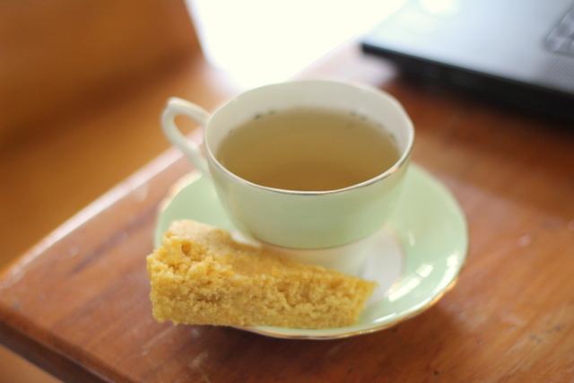 Solar cooked tea and cornbread