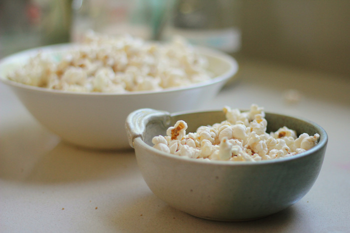 Plain popcorn is a tasty, frugal and healthy snack. Little eco footprints