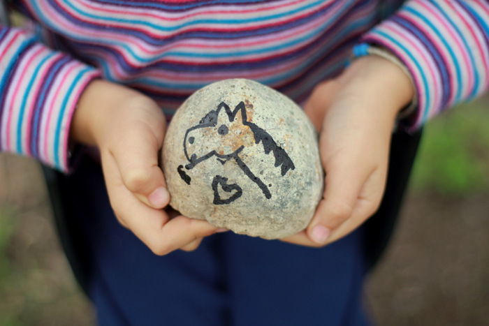Creative-countdown-to-christmas-rock-stone-advent-little eco footprints