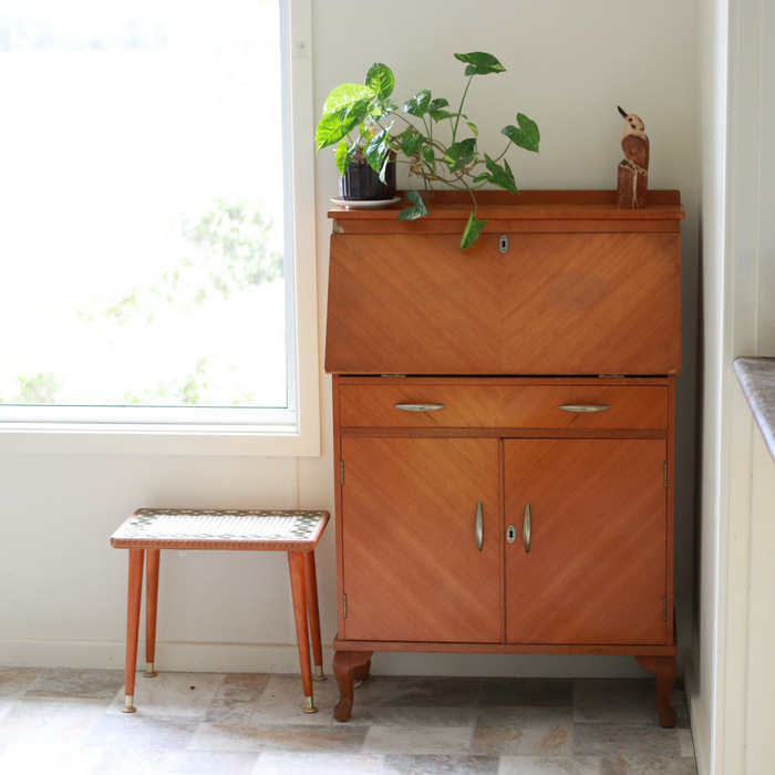 Tips-for-buying-preloved-furniture-1-Be-patient. Little eco footprints.