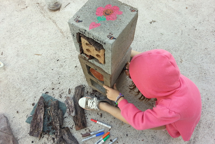 Weekend-family-projects-build-a-bee-hotel-little eco footprints.