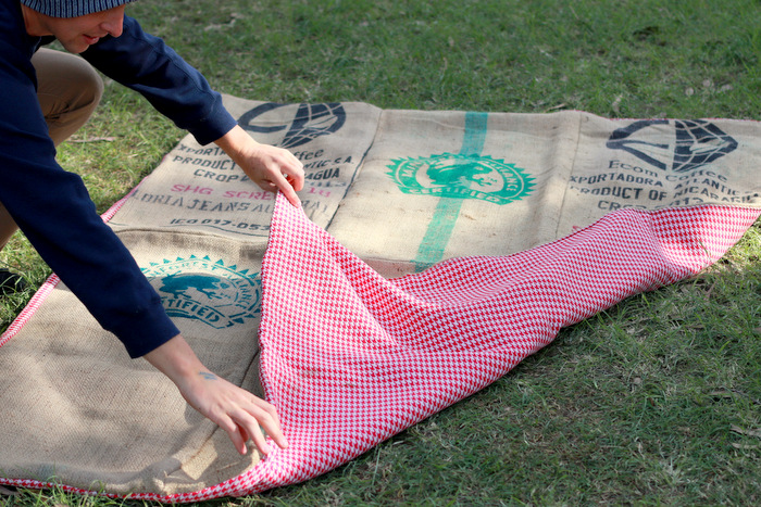 Picnic-blanket-made-from-recycled-hessian. Little-eco-footprints.