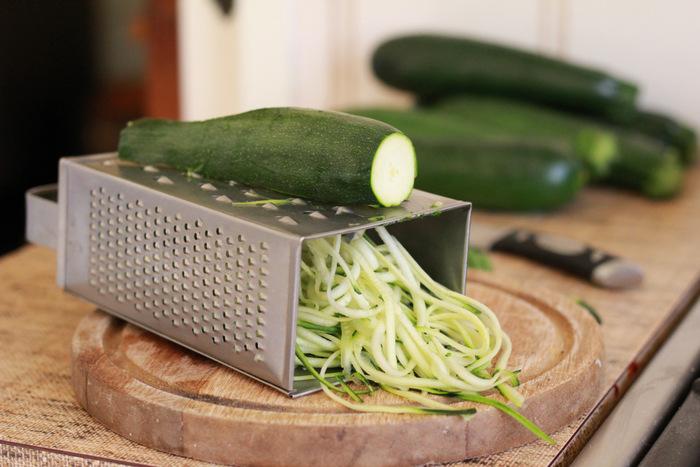 Making-Zucchini-spaghetti-littleecofootprints.com