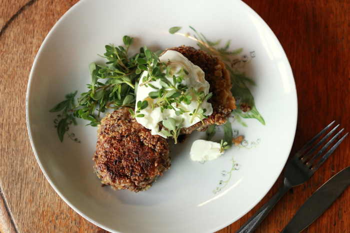 Lentil-and-potato-burgers-with-foraged-purslane-little-eco-footprints