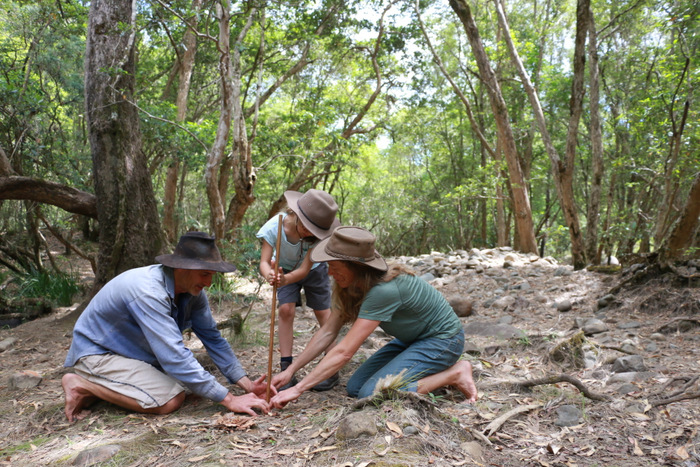 Wildcraft Australia bush survival courses Hunter Valley Australia. Learn how to start a fire without matches. Little eco footprints.