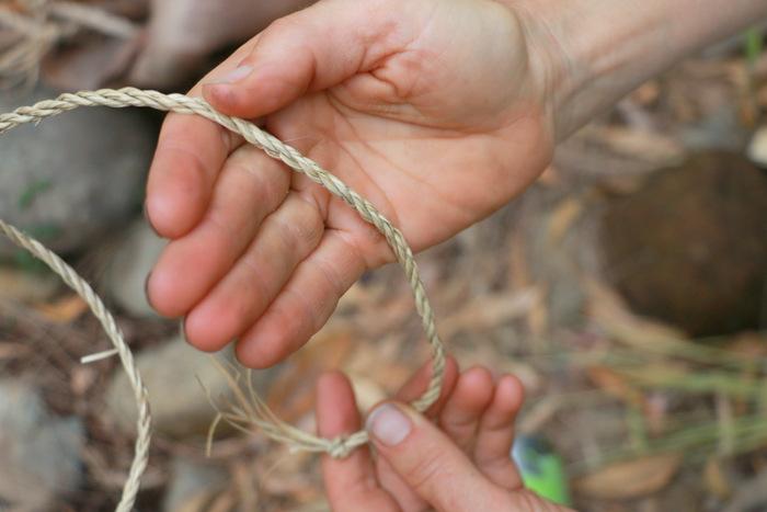 Wildcraft Australia bush survival courses Hunter Valley Australia. Twine made from plants. Little eco footprints